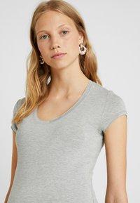 Queen Mum - TEE - T-Shirt basic - grey melange - 3