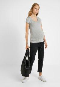Queen Mum - TEE - T-Shirt basic - grey melange - 1