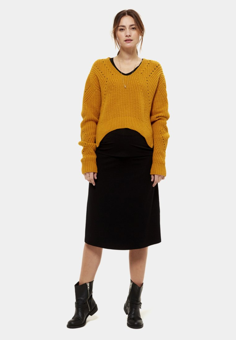 Queen Mum - Jumper - bright yellow