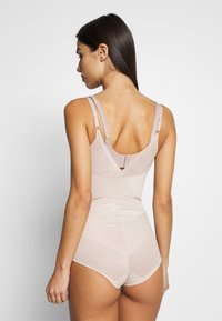 Marks & Spencer London - WYOB - Body - almond - 2
