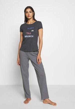 HANGING SET - Pyjamas - black
