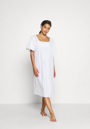 NIGHTDRESS - Nattskjorte - white