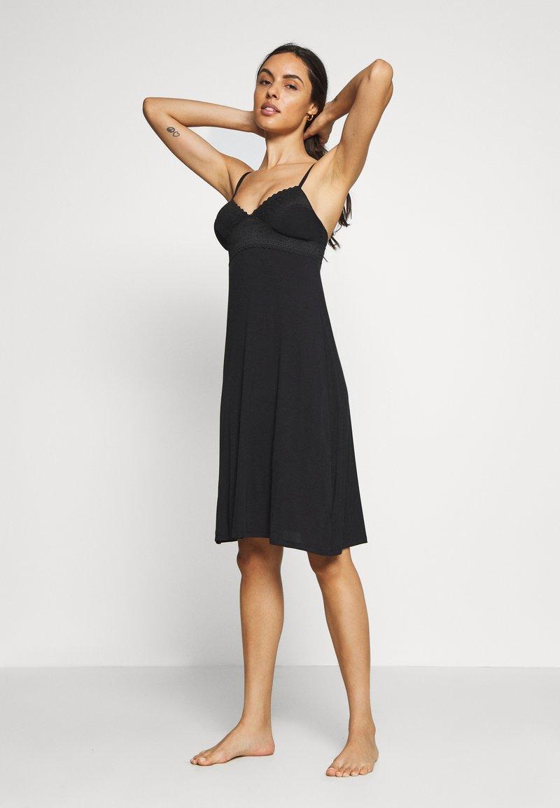 Marks & Spencer London - CHEMISE SOFT CUP - Noční košile - black