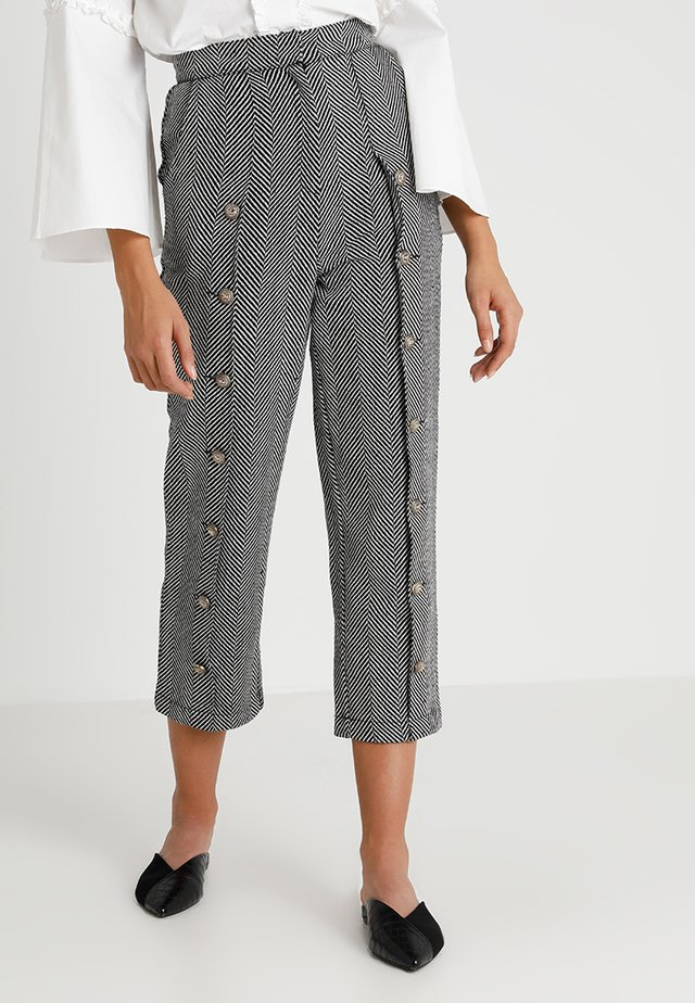 ZEPHYR HERRINGBONE TROUSERS - Kangashousut - black/white