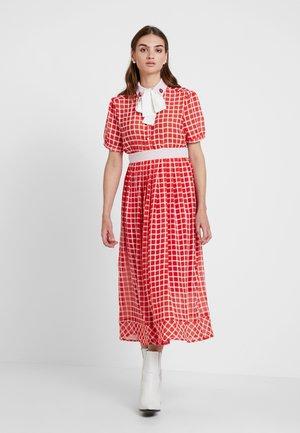 LADYBIRD CHECK MIDI DRESS - Denní šaty - red