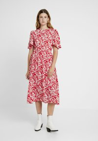 Sister Jane - BLAZE FLARE SLEEVE DRESS - Maxi-jurk - red - 2