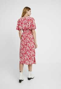 Sister Jane - BLAZE FLARE SLEEVE DRESS - Maxi-jurk - red - 3