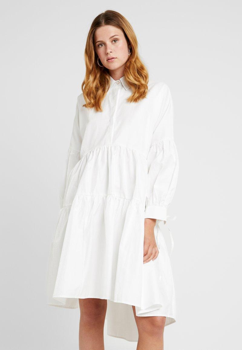 Sister Jane - CALM MIDI DRESS - Blusenkleid - ivory