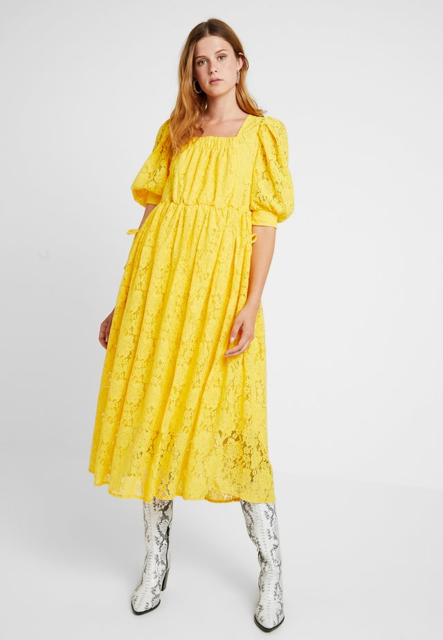 BURNING BRIGHT MIDI DRESS - Maksimekko - yellow