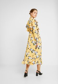 Sister Jane - SPECTATE FLORAL PRINT MAXI DRESS - Day dress - yellow - 3