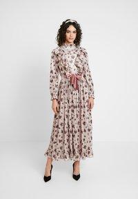 Sister Jane - JOSEPHINE VELVET MIDI DRESS - Suknia balowa - cream - 0