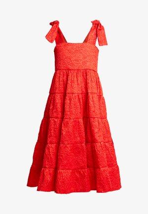 LIKELY LADY ROSE MIDI DRESS - Vestido de cóctel - red