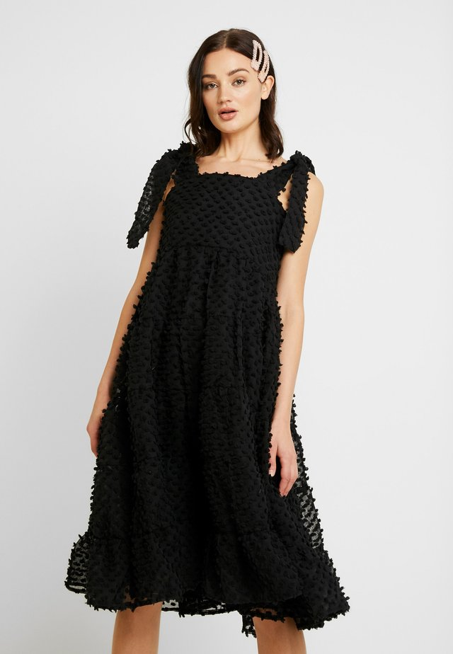 LIKELY LADY MIDI DRESS - Juhlamekko - black