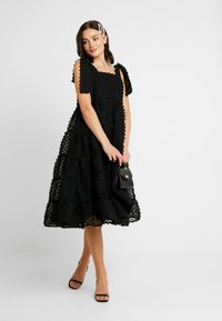 Sister Jane - LIKELY LADY MIDI DRESS - Vestito elegante - black - 2