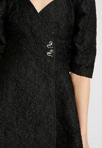 Sister Jane - MIDNIGHT MINI WRAP DRESS - Sukienka koktajlowa - black - 6