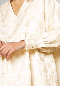 Sister Jane - OWN THE THRONE MINI DRESS - Juhlamekko - cream - 5