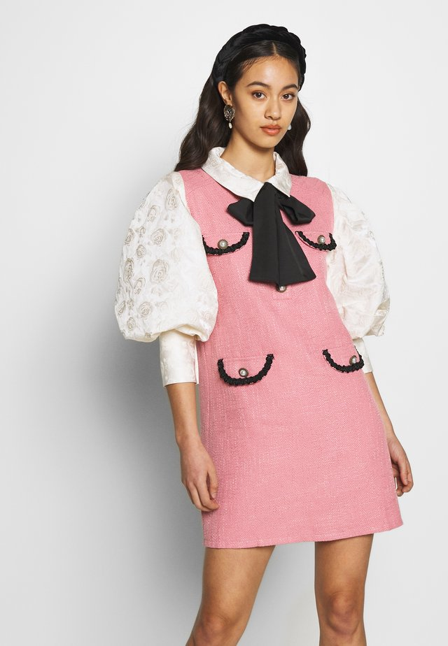 FAME WALK DRESS - Sukienka koktajlowa - pink