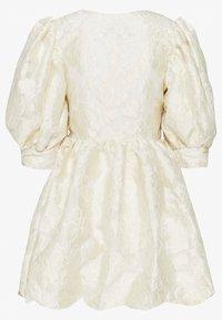 Sister Jane - COWBOY KISSES MINI WRAP DRESS - Sukienka letnia - ivory - 1