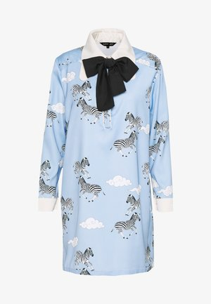 HEAD IN THE CLOUDS SHIFT DRESS - Korte jurk - blue