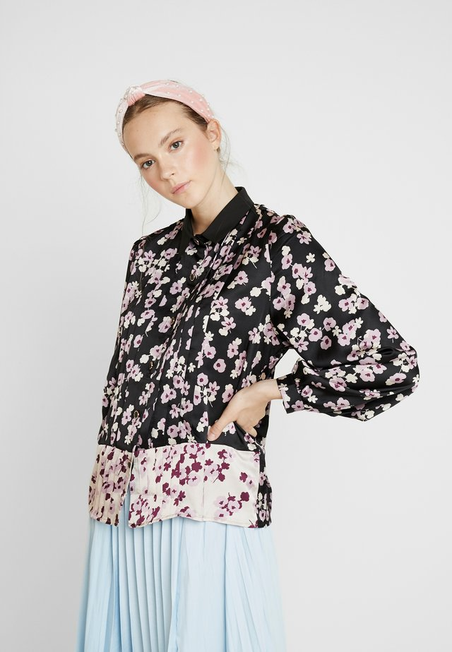 MISMATCH FLORAL BLOUSE - Skjorte - black and pink