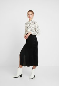 Sister Jane - NOTES BOW BLOUSE - Blouse - ivory - 1