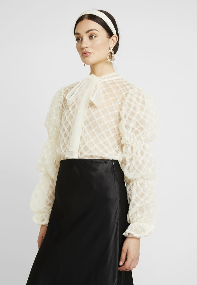 PILLOW PUFF BOW BLOUSE - Pusero - ivory
