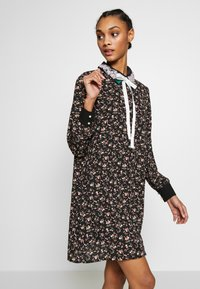 Sister Jane - KINGDOM COVEN DRESS - Skjortekjole - black - 3