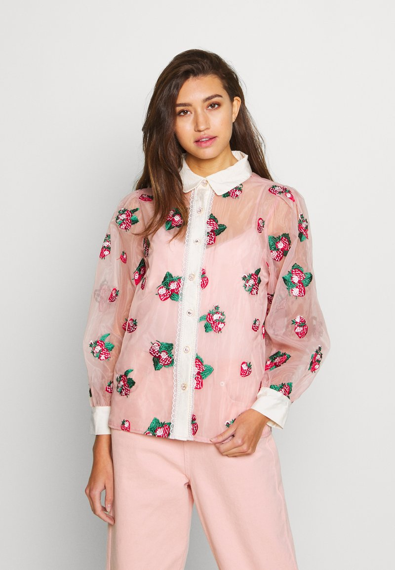 Sister Jane - STRAWBERRY LANE EMBROIDERED BLOUSE - Blouse - pink