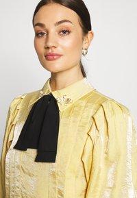 Sister Jane - SUNSHINE BOW BLOUSE - Camicetta - yellow - 4