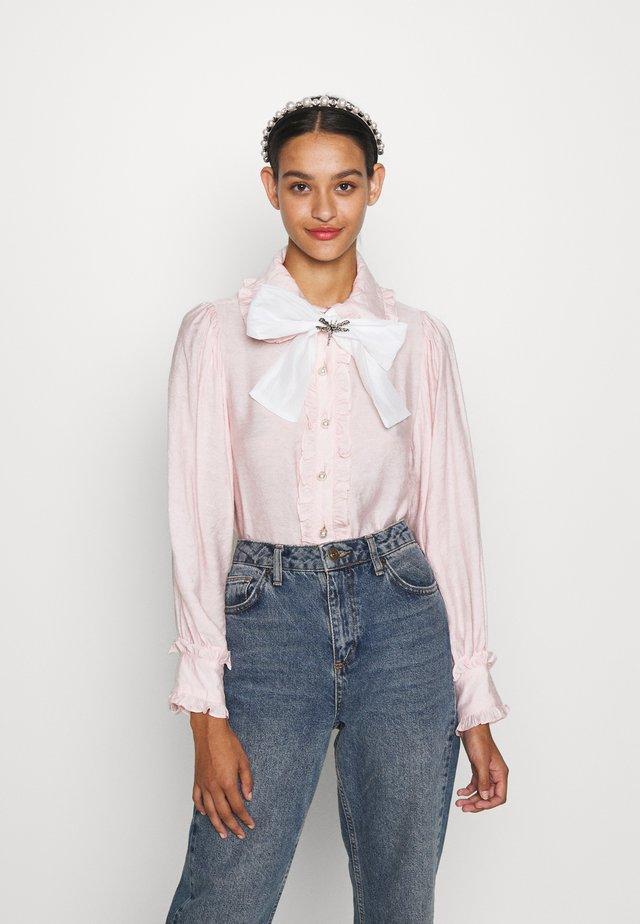FONDANT RUFFLE BOW - Button-down blouse - pink