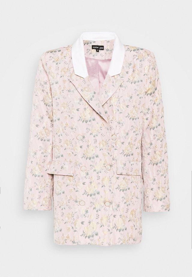 ROSE GARDEN OVERSIZED - Pitkä takki - pink