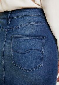 Q/S designed by - ROCK KURZ - Denimová sukně - blue denim - 5