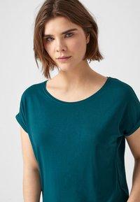 Q/S designed by - Camiseta estampada - blue green - 3