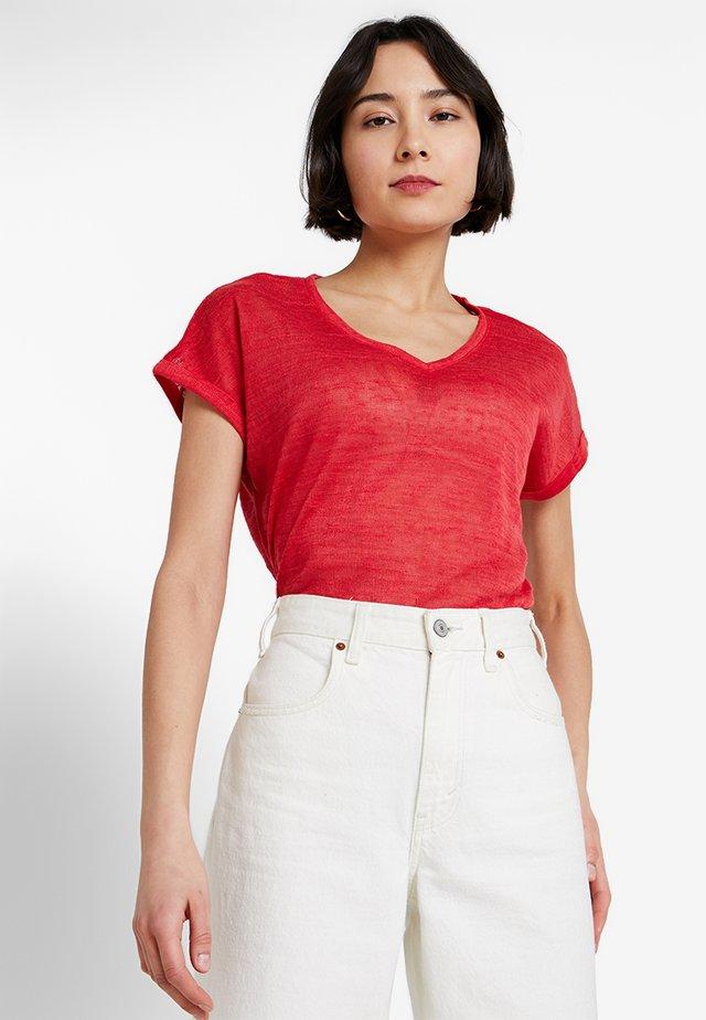 KURZARM - Basic T-shirt - red