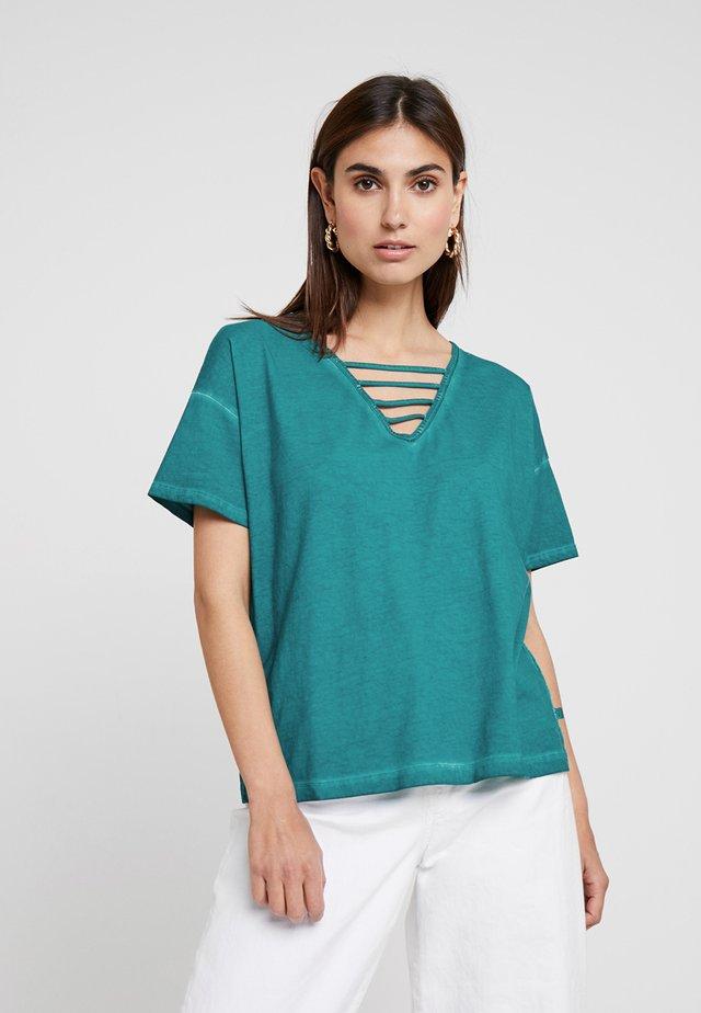 KURZARM - T-shirt z nadrukiem - tide pool