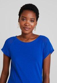 Q/S designed by - T-shirt print - royal blue - 3
