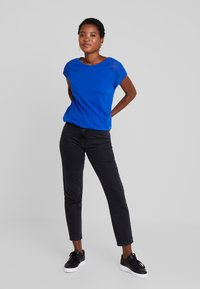 Q/S designed by - T-shirt print - royal blue - 1
