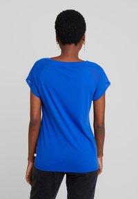 Q/S designed by - T-shirt print - royal blue - 2