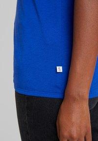 Q/S designed by - T-shirt print - royal blue - 5