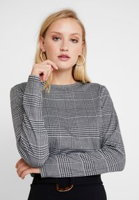 Q/S designed by - Long sleeved top - black - 3