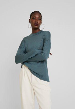 Long sleeved top - foam