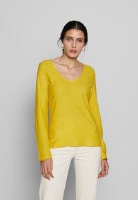 Q/S designed by - LONG SLEEVE - Top sdlouhým rukávem - dark yellow - 0