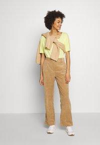 Q/S designed by - T-shirt basique - lemon sorb - 1