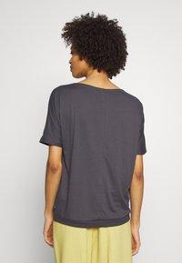 Q/S designed by - T-shirt basic - asphalt - 2