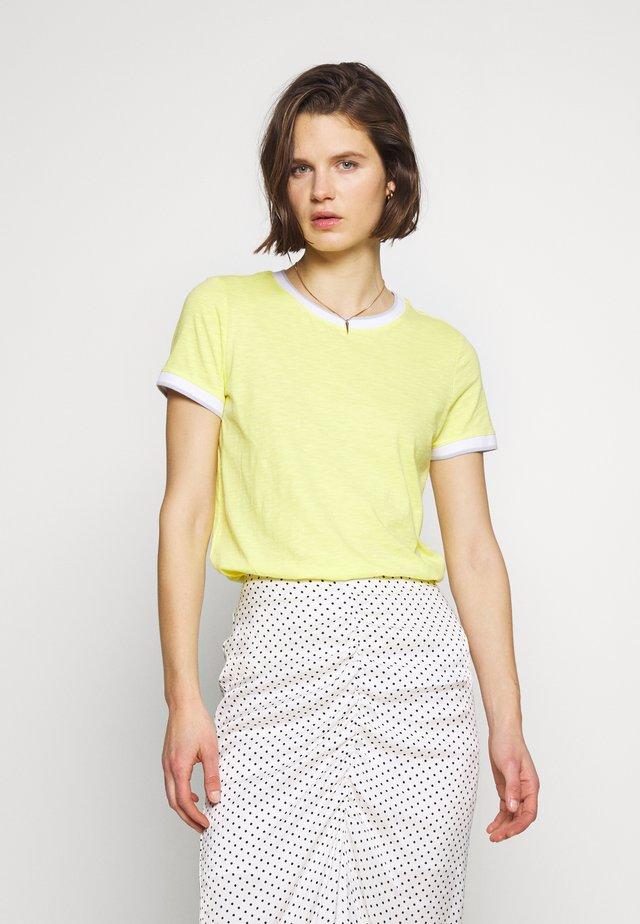 T-SHIRT - KURZARM - Basic T-shirt - lemon sorb
