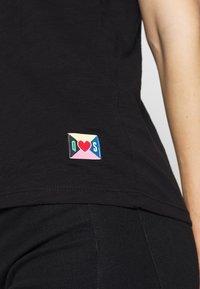 Q/S designed by - T-SHIRT - KURZARM - T-shirt basique - black - 5
