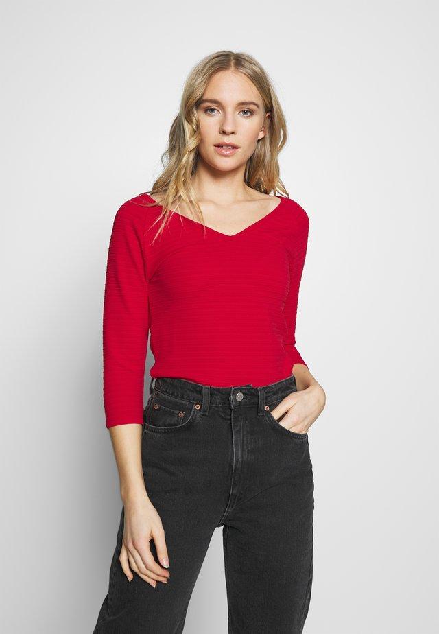 Langærmede T-shirts - flame red