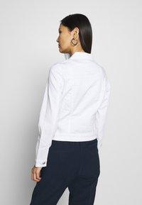 Q/S designed by - OUTDOOR  JACKE - Denim jacket - white - 2
