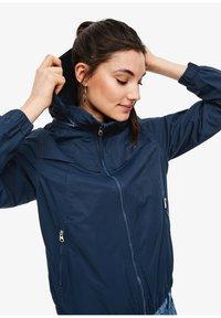 Q/S designed by - BLOUSON MIT INTEGRIERTER KAPUZE - Training jacket - navy - 3