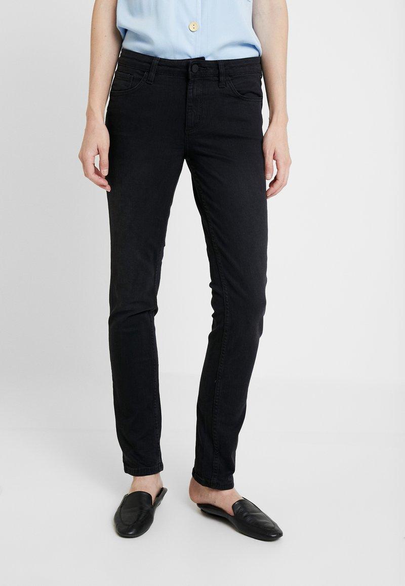 Q/S designed by - Jeans Slim Fit - black denim